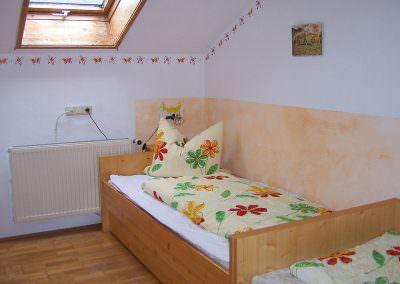 Schlafraum Fewo 1 auf dem Altenburgerhof